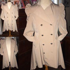 New🧥 Jennifer Lopez Beige Trench/Rain Coat 🧥
